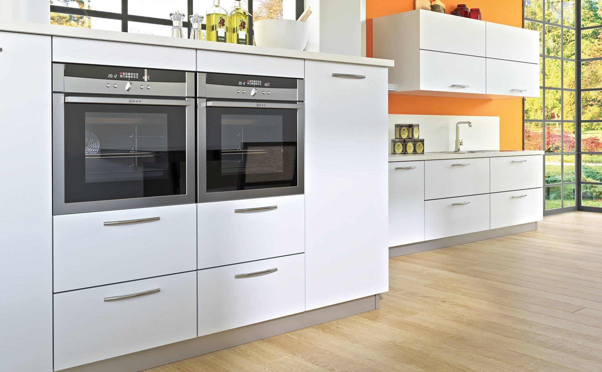 cuisine malaga blanc atypique quip e et sur mesure par cuisines teisseire. Black Bedroom Furniture Sets. Home Design Ideas