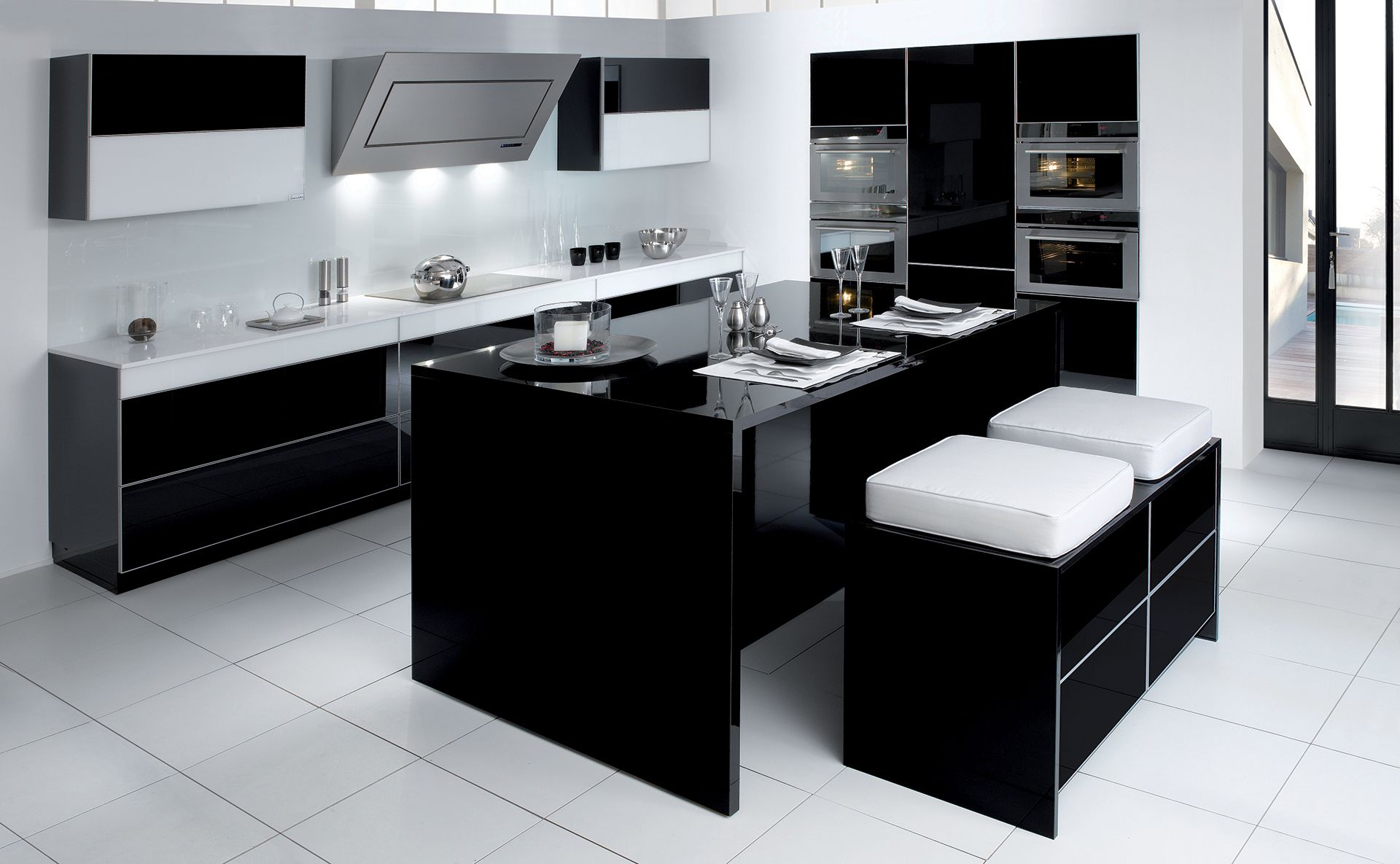 cuisine ariane noir gloss design et sur mesure par cuisines teisseire. Black Bedroom Furniture Sets. Home Design Ideas