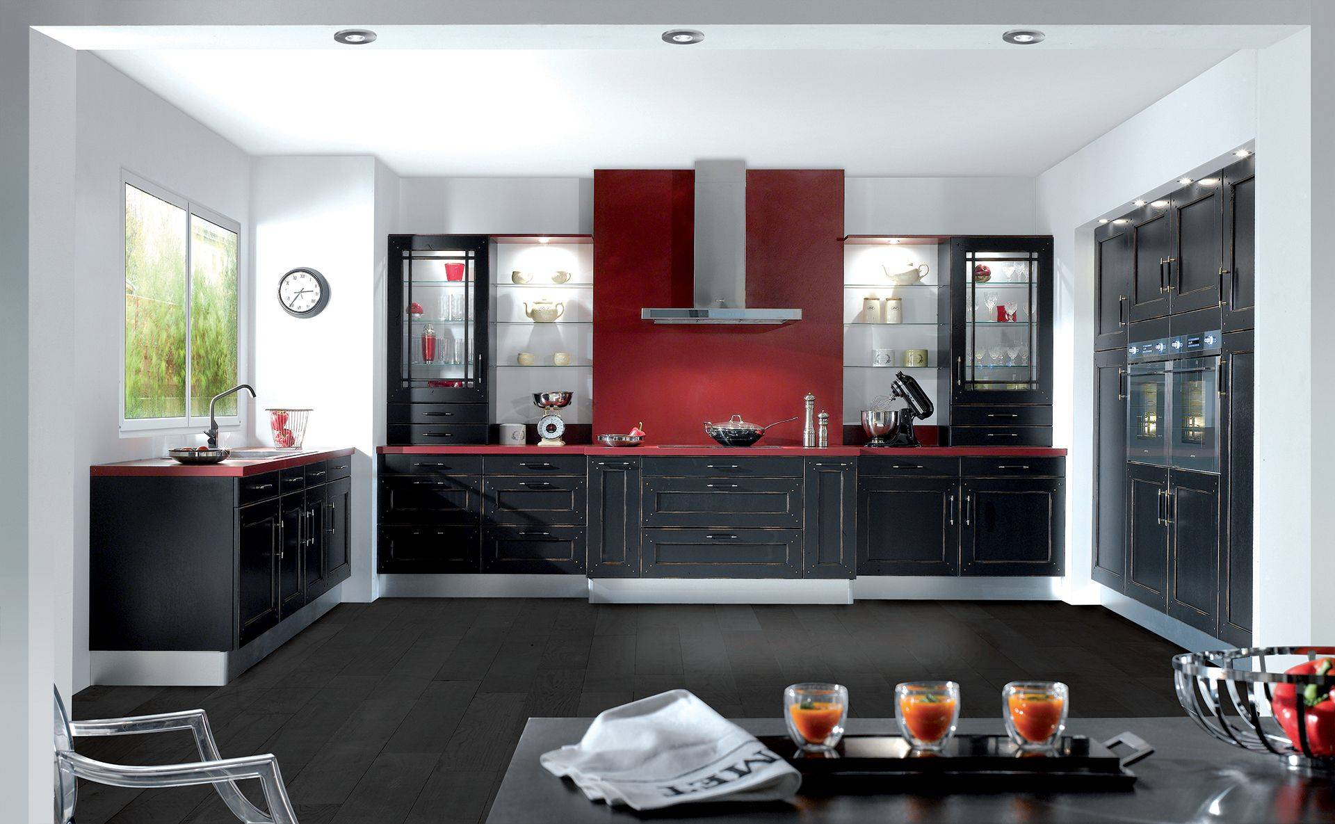 cuisine monast re quip e fonctionnelle et design par cuisines teisseire. Black Bedroom Furniture Sets. Home Design Ideas